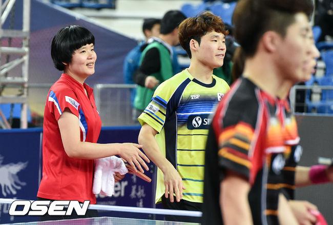 [사진]차효심-장우진,남북단일팀이 이겼어요