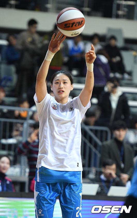 강이슬, 박혜진 제치고 올스타 3점슛 여왕 등극