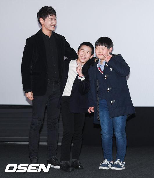 [사진]지일주 감독,아역배우 윤성우-서장현과 함께