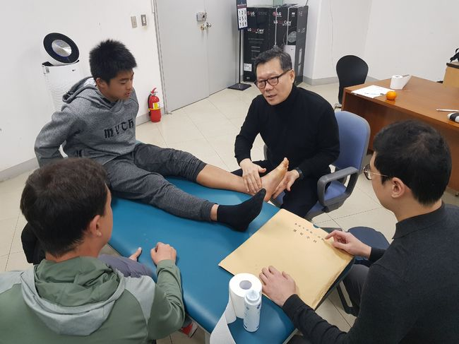 서귀포 재활 무료 클리닉, 중국 선수들까지 방문해 눈길