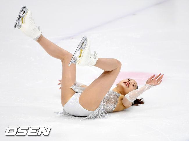 [사진]유영,빙판 위에서 깜찍하게 데굴데굴