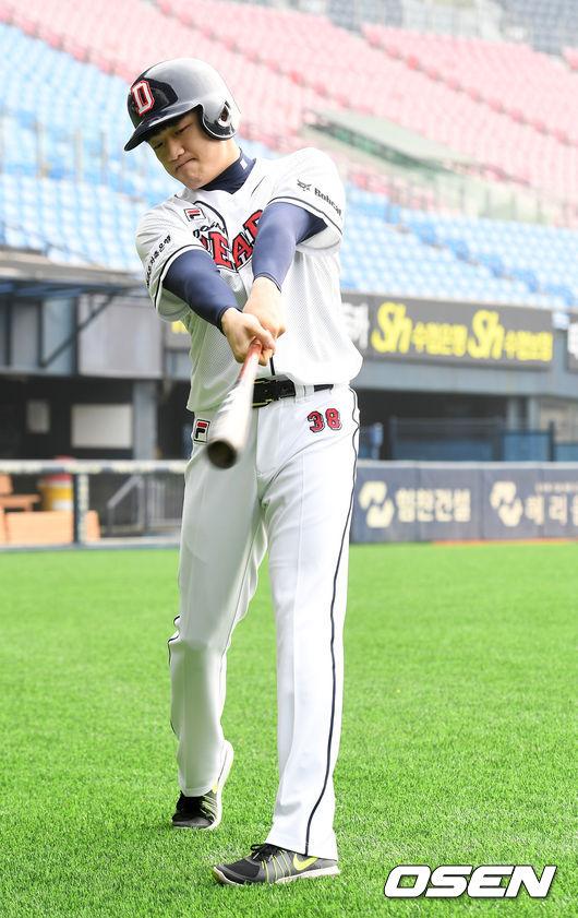 [사진]힘차게 스윙하는 두산 1차 지명, 김대한