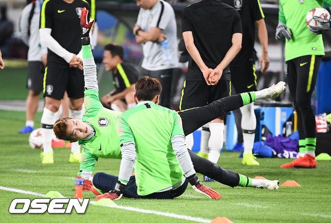 [사진]조현우 골키퍼,정신 집중