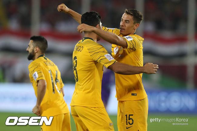 디펜딩 챔프' 호주, 시리아 3-2 제압...조 2위로 아시안컵 16강행