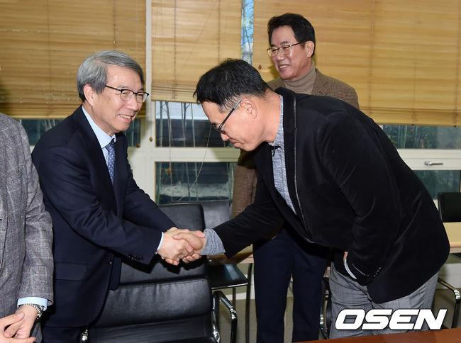 [사진]정운찬 총재,마해영 위원 잘 부탁해!