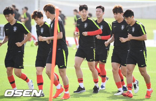 [사진]축구대표팀,힘찬 러닝