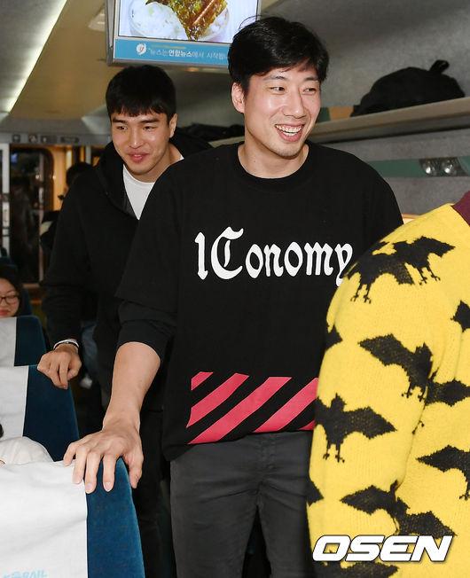 [사진]김종규-양희종, 지금 만나러 갑니다