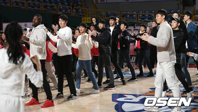 [사진]KBL 올스타, 다 같이 댄스