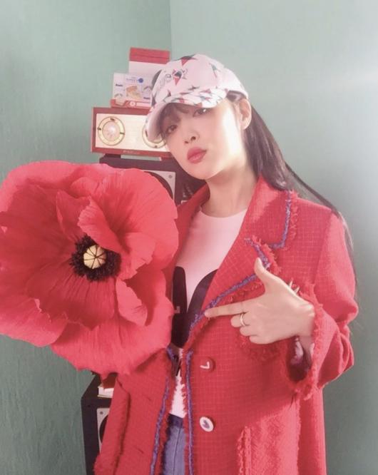 꽃보다 예뻐..설리, 시크+오묘한 분위기 미녀 [★SHOT!]