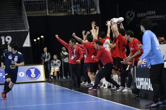 남자 핸드볼 단일팀, 일본 잡고 세계선수권 첫 승