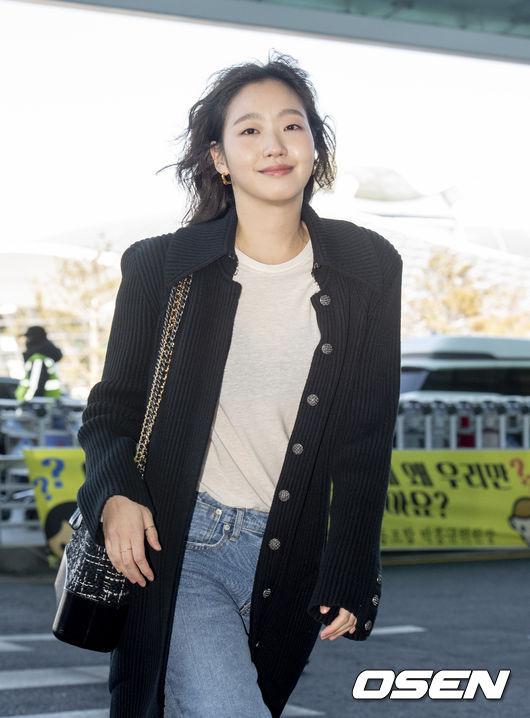 [사진]김고은, 파리 패션쇼 다녀 올게요