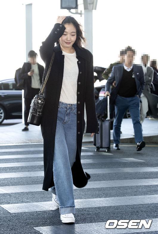 [사진]김고은, 칼바람에 머리카락이 흩날려도