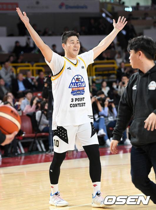 자존심 세운 조선의 슈터 조성민, 3점슛 콘테스트 우승