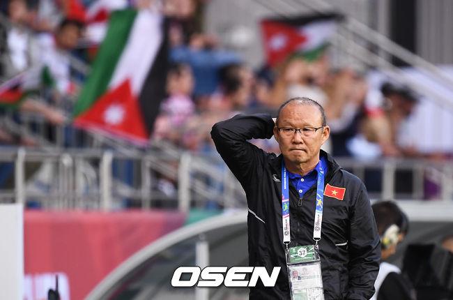 [사진]요르단 선제골에 아쉬워하는 박항서 감독,충격