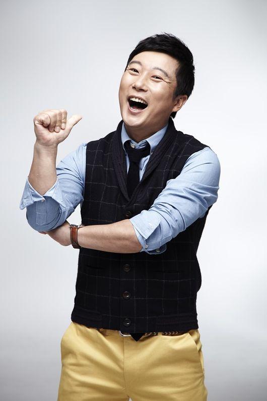 이수근, 박성광X신아영과 모던패밀리 메인 MC 낙점..가족관찰예능 이끈다[공식입장]