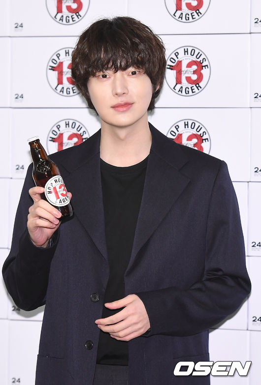 [사진]안재현,맥주 한잔 하실래요?