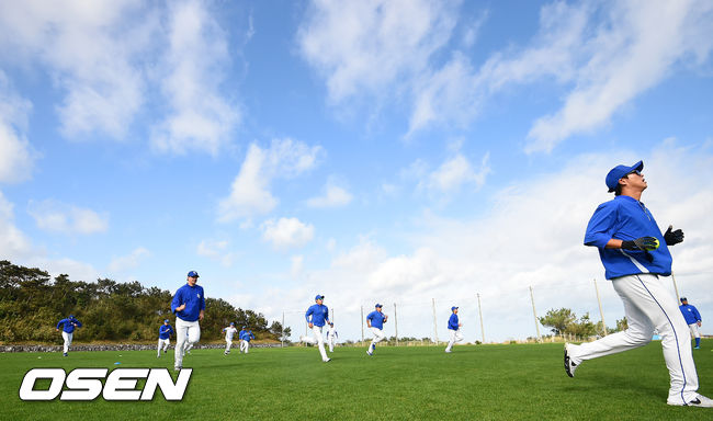 [사진]삼성,오키나와의 푸른하늘 아래 힘찬 훈련