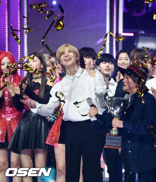 [사진]쇼챔 1위 샤이니 태민,행복한 미소