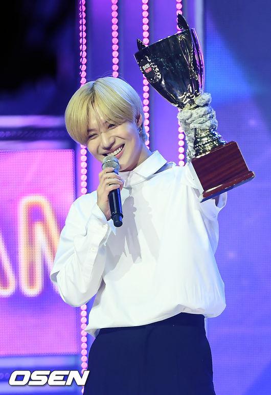 [사진]쇼챔피언 1위 샤이니 태민,너무 감사해요