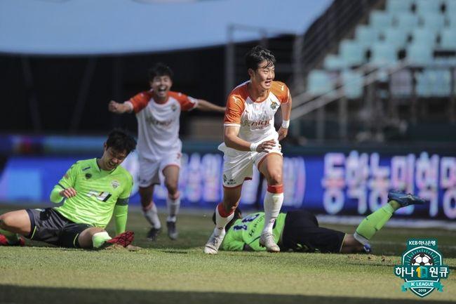 전북, 강원에 0-1 패... ACL 이어 2연패-강원 시즌 첫 승