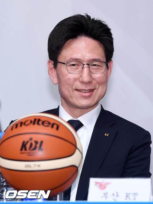 [사진]미소짓는 서동철 감독