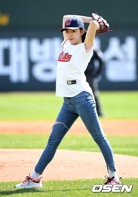 [사진]김소혜,멋진 시구 기대해주세요