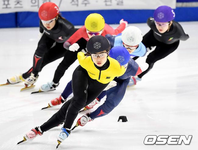 [사진]김건희,선두 질주