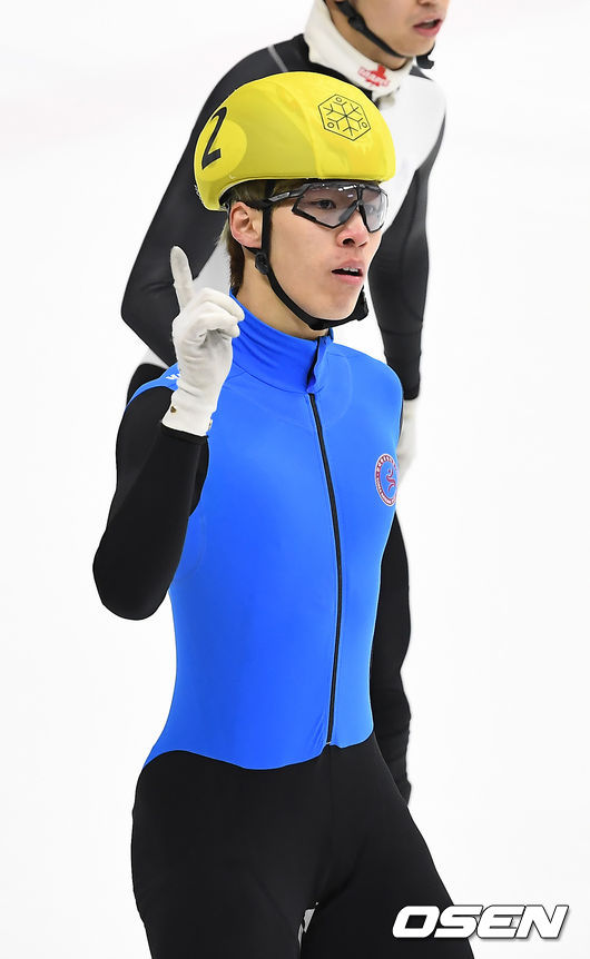 [사진]남자 1500m 결승, 1위 기록한 황대헌