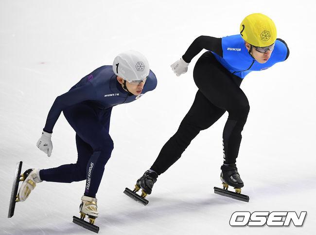 [사진]이정수-황대헌,경쟁