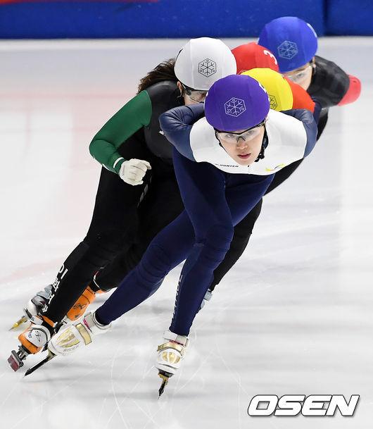 [사진]김아랑,가볍게 선두 질주