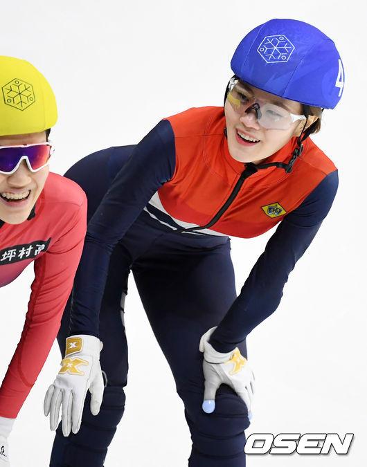 [사진]이유빈,여자 1000m 1위, 환한 미소