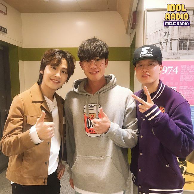 [사진] '아이돌 라디오'에 출연한 DJ 정일훈, 댄서 차현승, 비투비 프니엘(왼쪽부터)