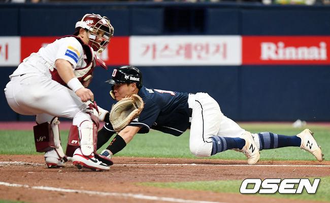 [사진]박세혁, 허슬플레이로 1점 더!