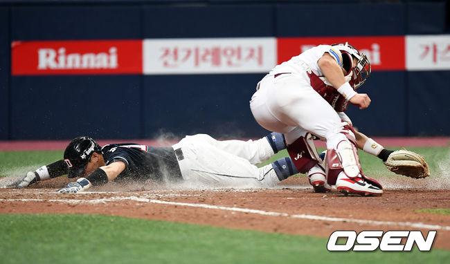 [사진]허슬두 박세혁, 몸을 아끼지 않는 플레이