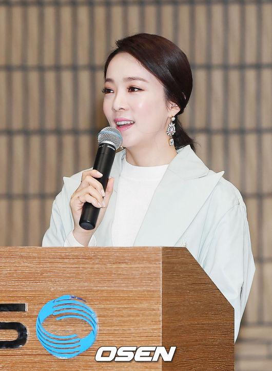 [OSEN=민경훈 기자] 22일 오후 서울 영등포구 KBS 신관 웨딩홀에서 열린 KBS1 '천상의 컬렉션' 제작발표회에서 박은영 아나운서가 진행을 하고 있다. / rumi@osen.co.kr