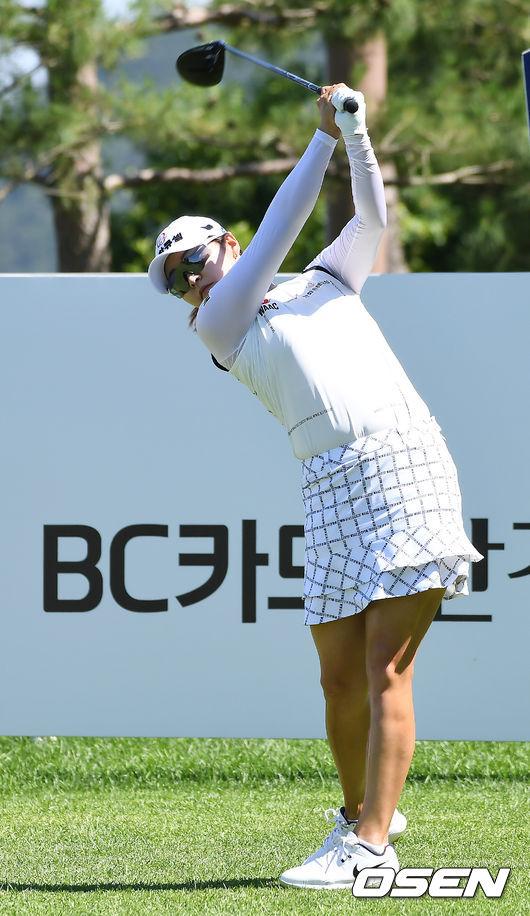 [사진]김지현,기분 좋은 티샷