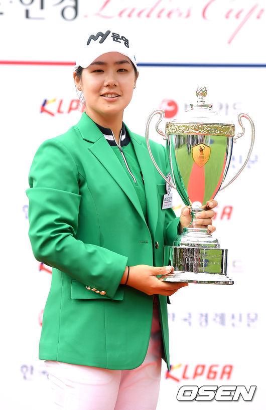 [사진]시즌 2승 조정민, 통산 5승째