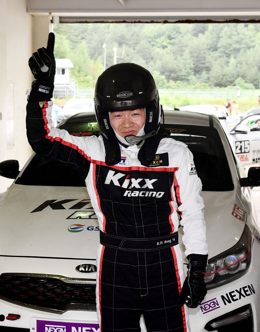 21일 태백스피드웨이에서 열린 4라운드에서 시즌 두 번째 우승에 성공한 송병두.
