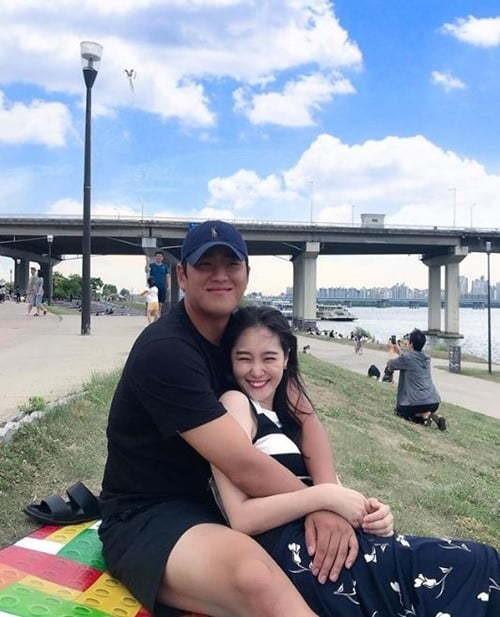 [사진=김세린 SNS] '하트시그널'에 출연했던 김세린(오른쪽)과 연인 야구선수 배재준(왼쪽)