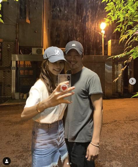 양미라, 모델 포스 남편과 부부스타그램 곱창집에서 신난다 [★SHOT!]