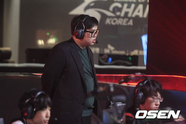 """[롤챔스 승강전] APK 김산하 코치, """"플레이오프 노리는 팀 되겠다"""""""