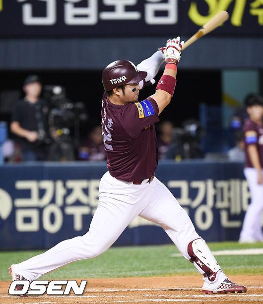 [사진]박병호,한점차 추격하는 솔로포 쾅!