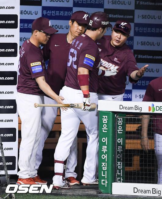 [사진]장정석 감독,박병호! 솔로포로 분위기 반전해보자