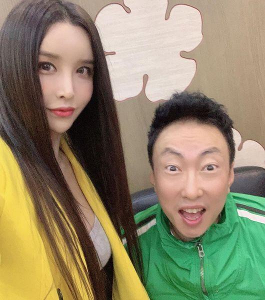 하리수, 전성기 일일 행사비 10억→브랜드 론칭·광고 모델..여전히 핫한 그녀 [종합]