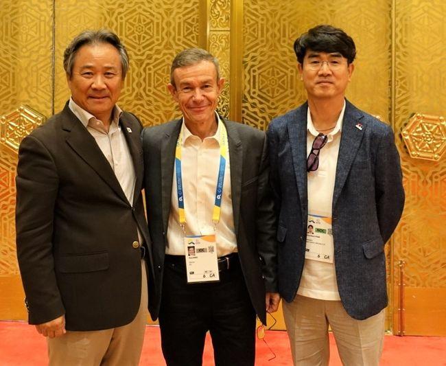 이기흥 대한체육회장,IOC사무부총장에 2024동계유스 유치 희망