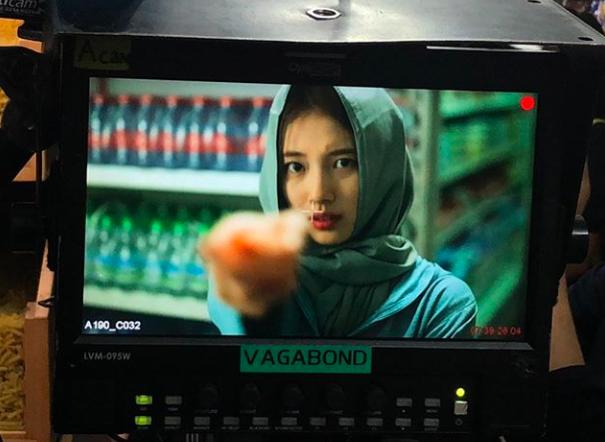 [사진=수지 SNS] 수지가 '배가본드' 결방의 아쉬움을 달래며 촬영장 비하인드 컷을 공개했다.