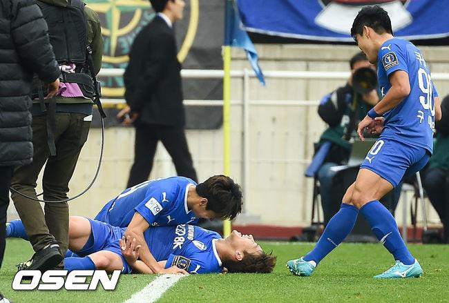 [사진]쐐기골 김민우,이번에는 진짜 골이라고