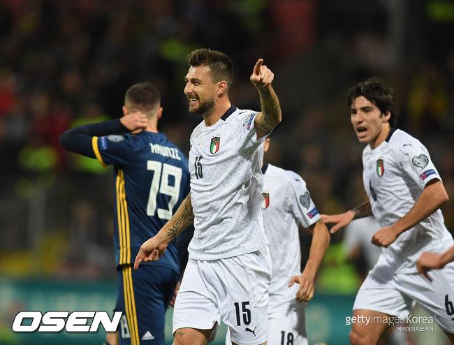 아체르비 결승골 이탈리아, 보스니아에 3-0 완승 A매치 10연승 행진