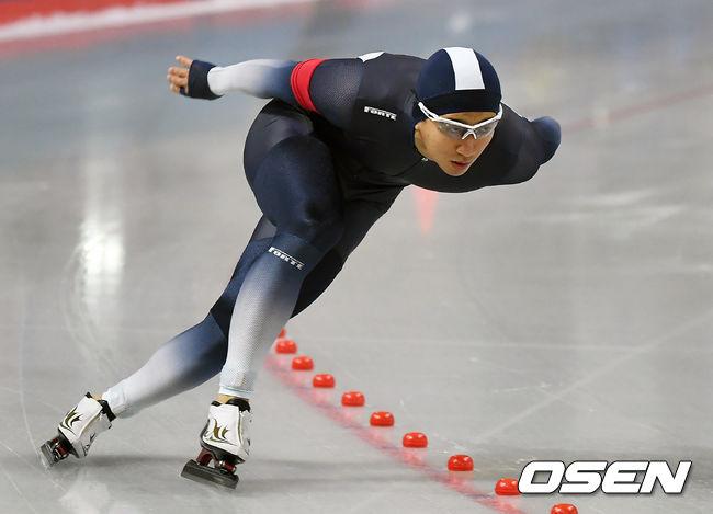 빙속 김준호, 시즌 첫 월드컵 남자 500m서 광속 금메달