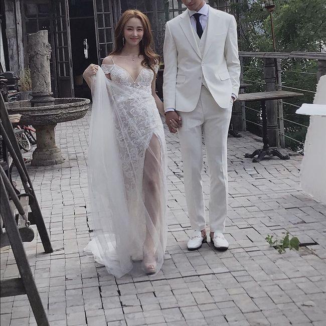 천상지희 선데이, 웨딩촬영 현장 공개..시스루 드레스로 섹시美 발산 [★SHOT!]
